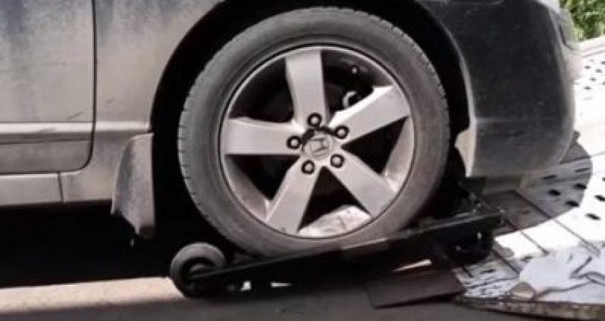 заблокированные колеса